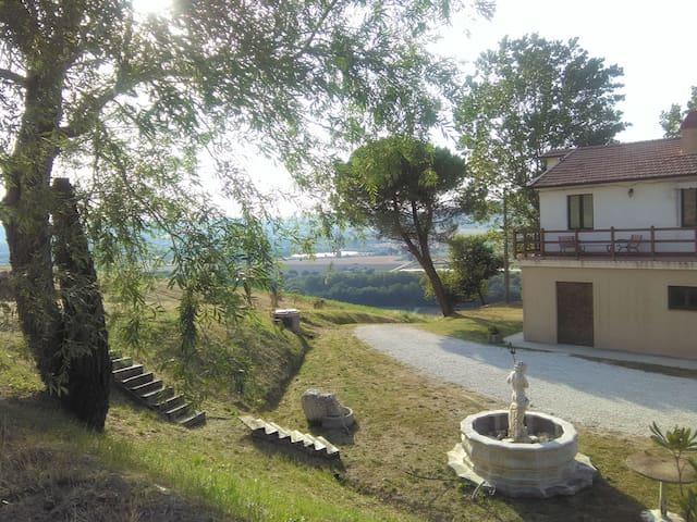 Casa di campagna vicino al mare PortoSanGiorgio - Fermo - Rumah
