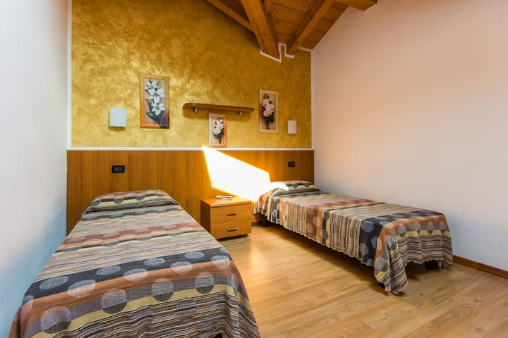 Refined apartment for couples - Pieve di Ledro - Daire