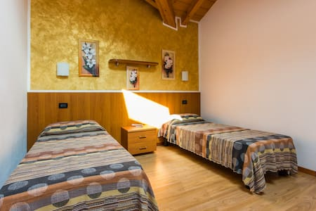 Refined apartment for couples - Pieve di Ledro - Wohnung
