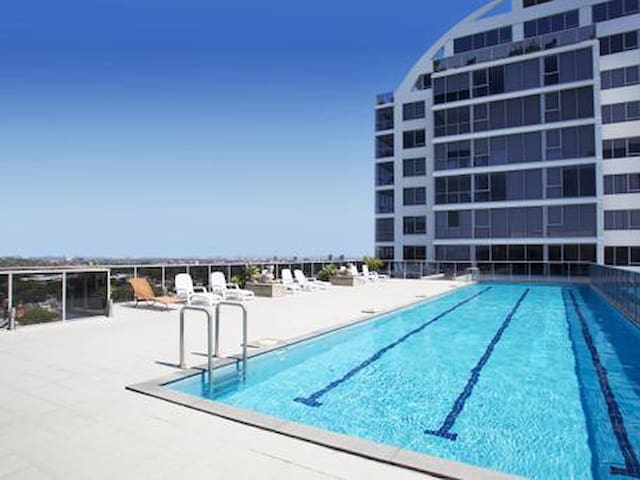 Beautiful unit - Amazing location amenities & view - Bondi Junction - Huoneisto