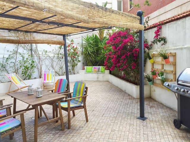 Sol à Estrela- central apt w/private garden - Lisboa - House