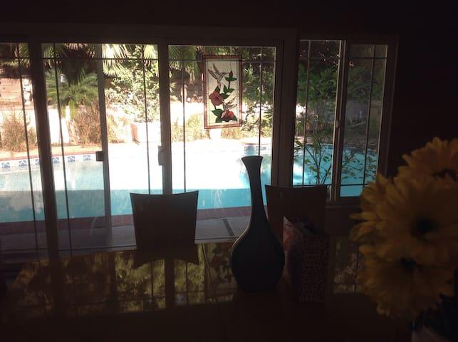 Master suite near Magic Mountain - Santa Clarita - Dom
