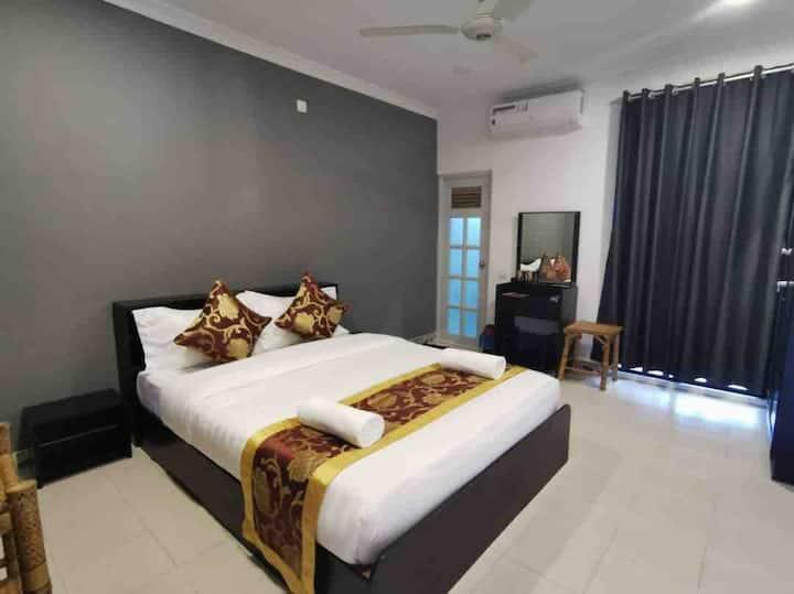 honeymooners and family's best suites