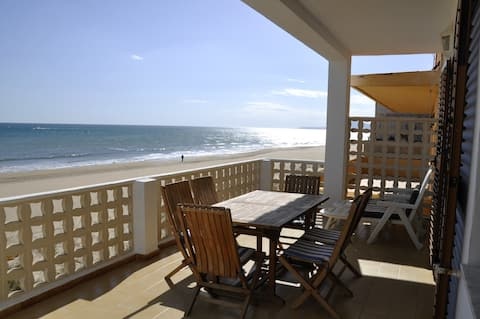On the beachfront (for 7 people)
