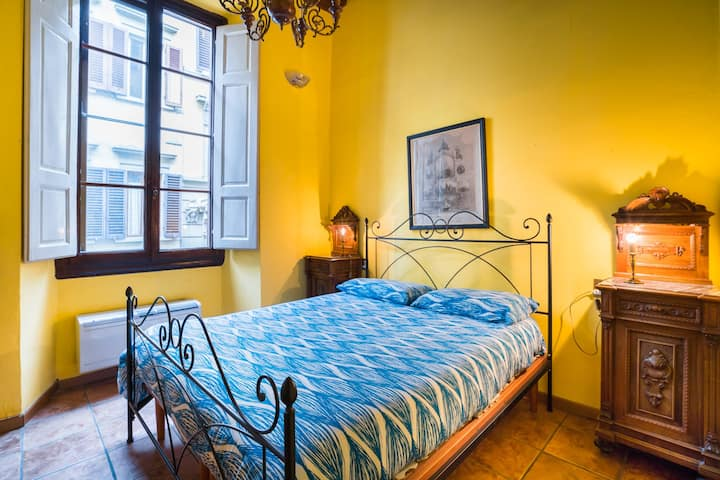 Cozy Flat 2 steps from Duomo...