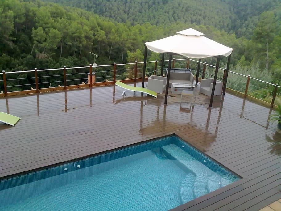 Casa de madera bed and breakfasts for rent in molins de - Casa en molins de rei ...