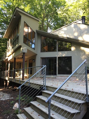 High-End Beach House in the Woods - Fennville - Huis