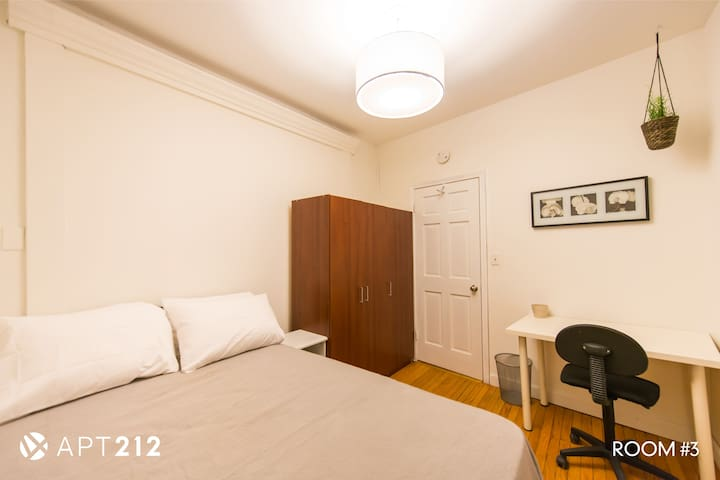 Room 3 in Furnished Apartment- Beautiful 3 Bedroom