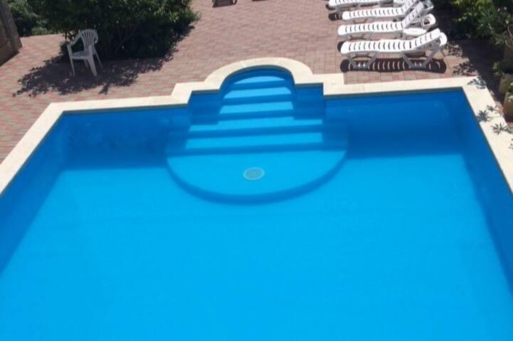 Гостевой дом «у Боцмана» в Геленджике с бассейном