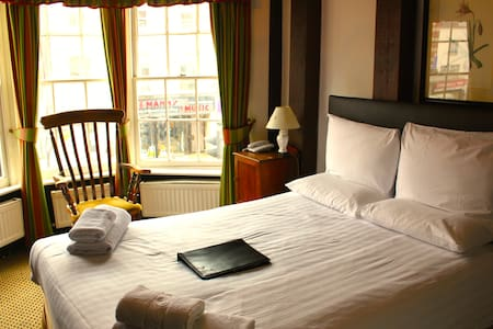 Brook Red Lion Hotel - Colchester - Bed & Breakfast