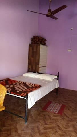Dev Homestays-Home away from Home (Private Room 2) - Sawantwadi - Bed & Breakfast