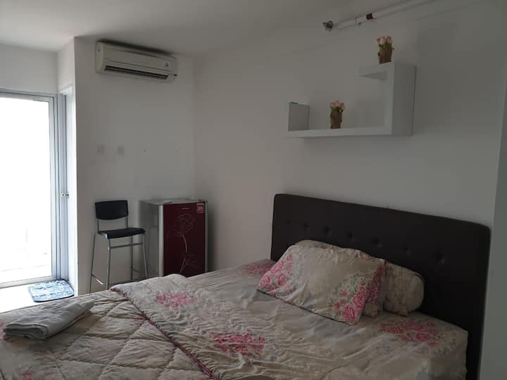 Cozy Studio-Size at Bassura Apartment