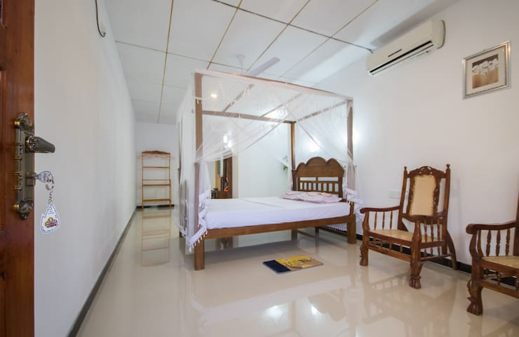 Lavender - Ahangama - House