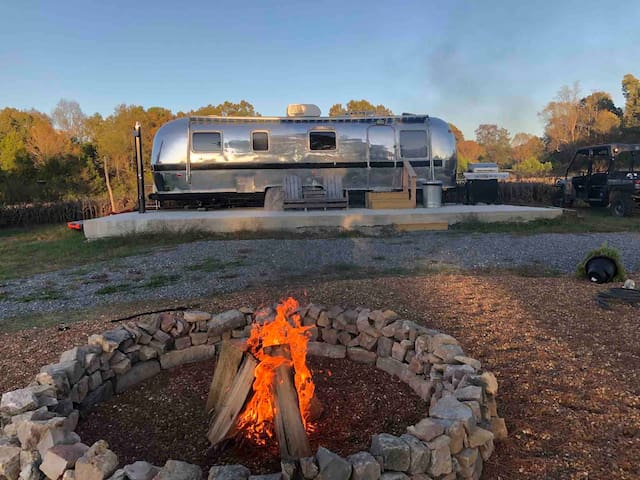 Renovated 31' 1980 Airstream on Private Land