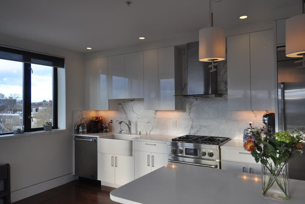Fully-equipped kitchen with gas stove