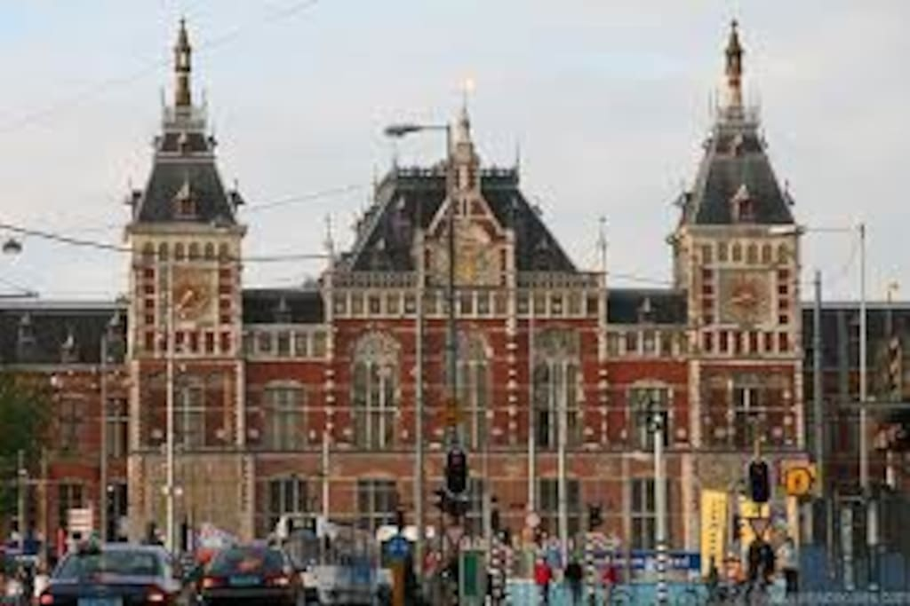 Central Station is within 1 km walking distance