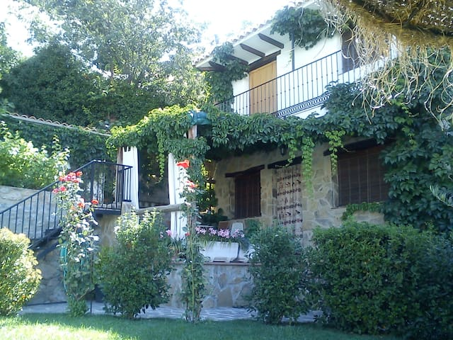 Conjunto Los Prados, Casita Prados 5 - Güejar Sierra - House