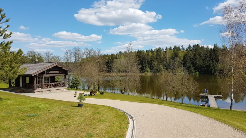 Summer house and sauna near the lake