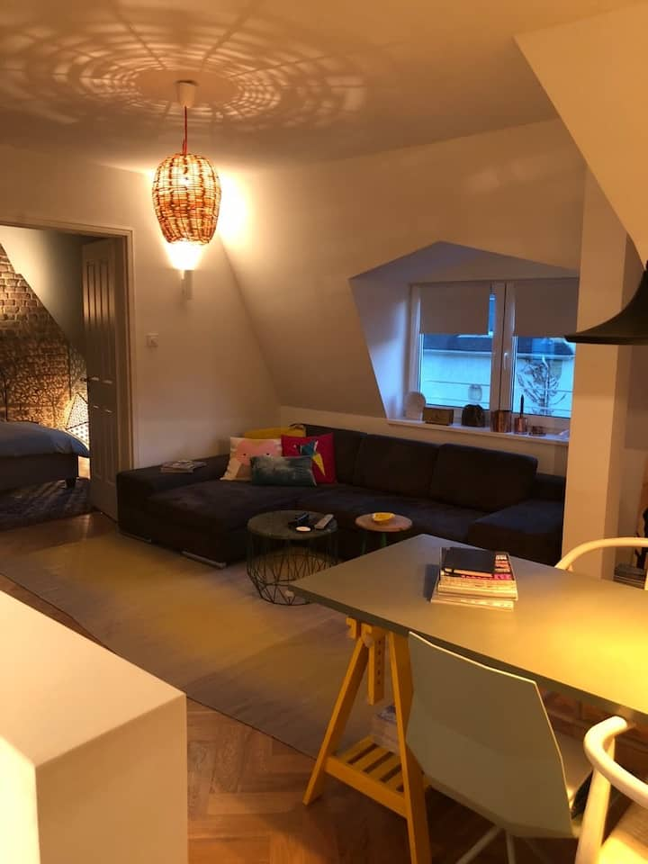 Cosy design apartment in reach of downtown & fair