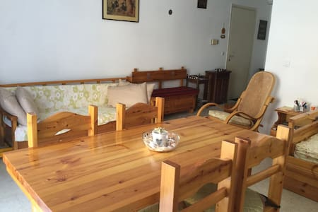 Cozy flat in a  riviera spa town close to Athens - Loutraki - Apartment