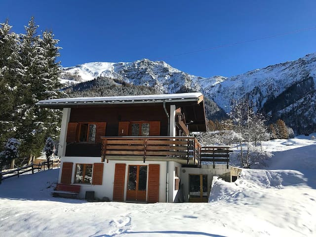 La Fouly. Holiday chalet in swiss alps for ski