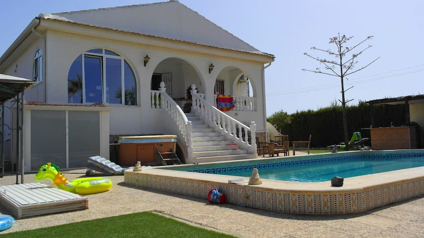 Luxury Villa with Private Pool - Los Montesinos - Ev