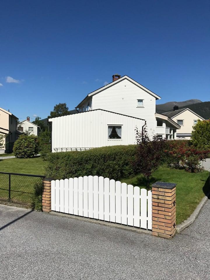 Attraktivt hus sentralt på Åndalsnes