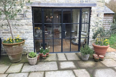 Stylish B&B in self-contained Studio - Somerset - Bed & Breakfast