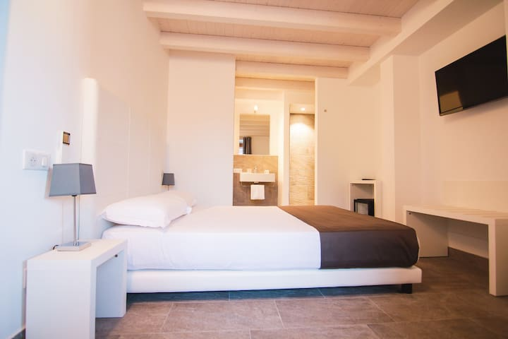 MaisonJ - Classic Room (internal view)