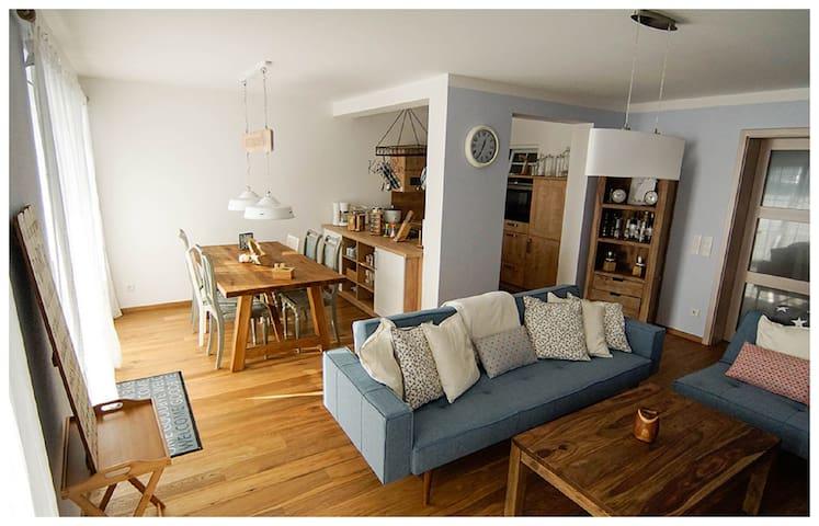 """Apartment """"NBnB"""" (3 Zimmer) mit Garten nähe S-Bahn - Otterfing - Wohnung"""