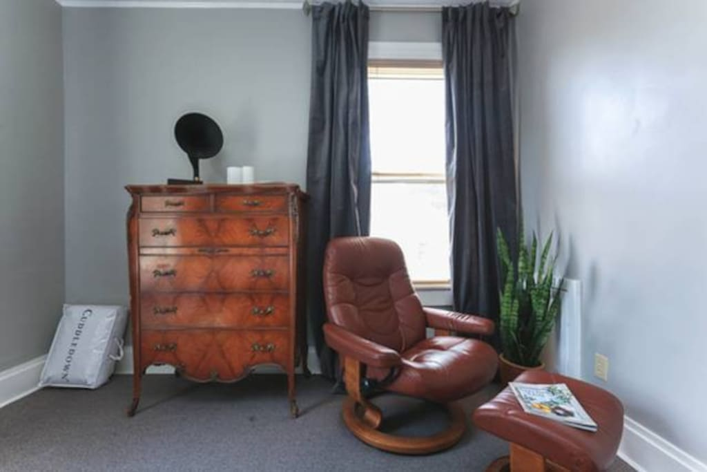 Doris Room, south-facing window