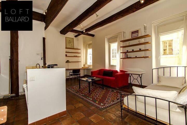 apartment on the Vieux Port de Marseille