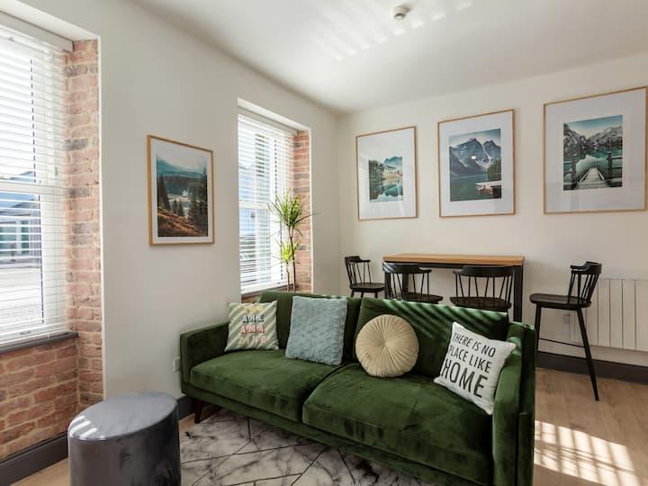 (Macs Townhouse) Retro 2 Bedroom Apartment