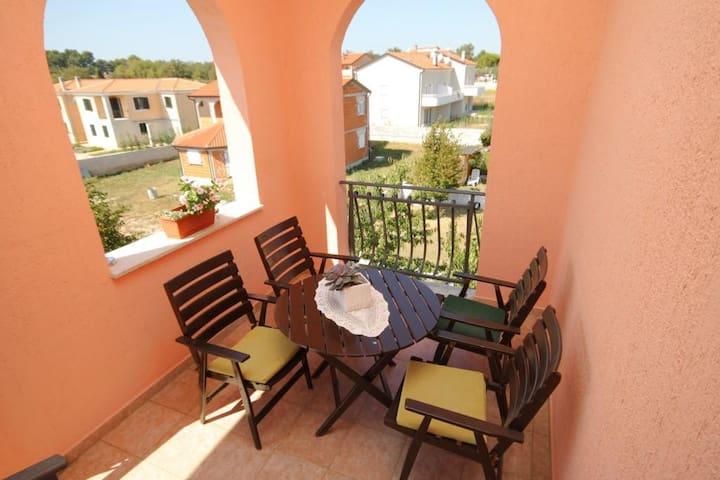 Studio flat with terrace Novigrad (AS-6951-a)