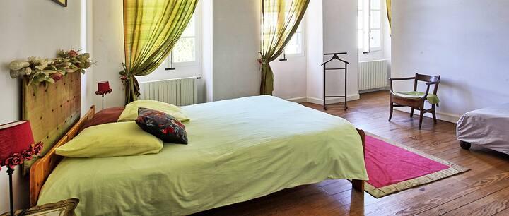 Chambre au Chateau de Laubardemont 3. St Emilion