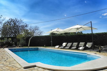 Luxury villa with private pool, 8+2