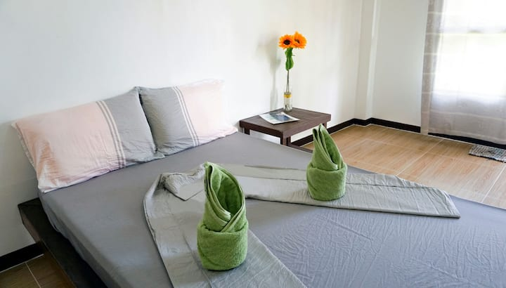 Sunflower House Siargao Room n. 3a
