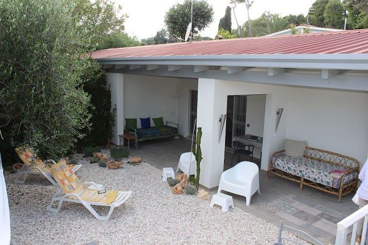 Deliziosa villetta con giardino e vista mare - Villaggio Taunus - Hus
