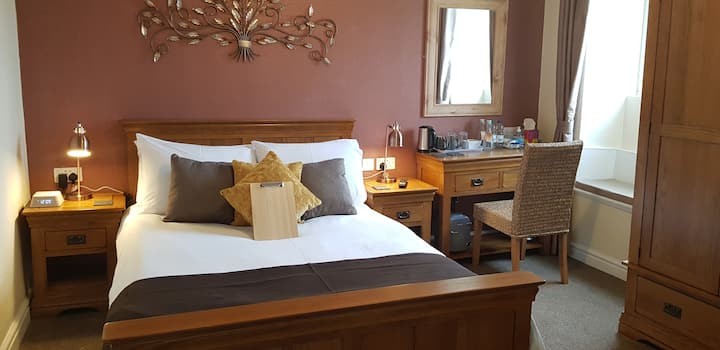 Parys Mountain Double Room At The Ring Pub