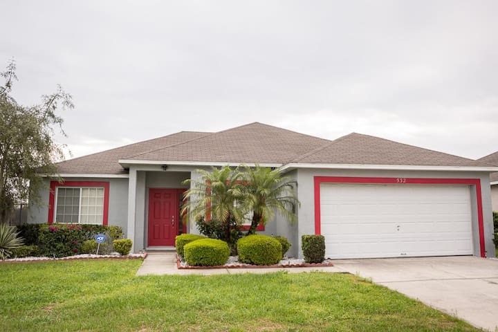 LUXURY Holiday Home Perfect for your family!! 532 - Davenport - Villa