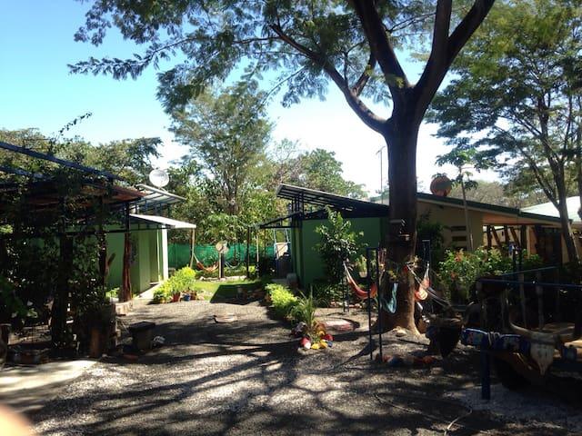 Cabinas Vacacionales El Guanacaste - Sardinal - House