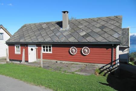Hytte på Kjosås, Øystese, Hardanger - Kvam