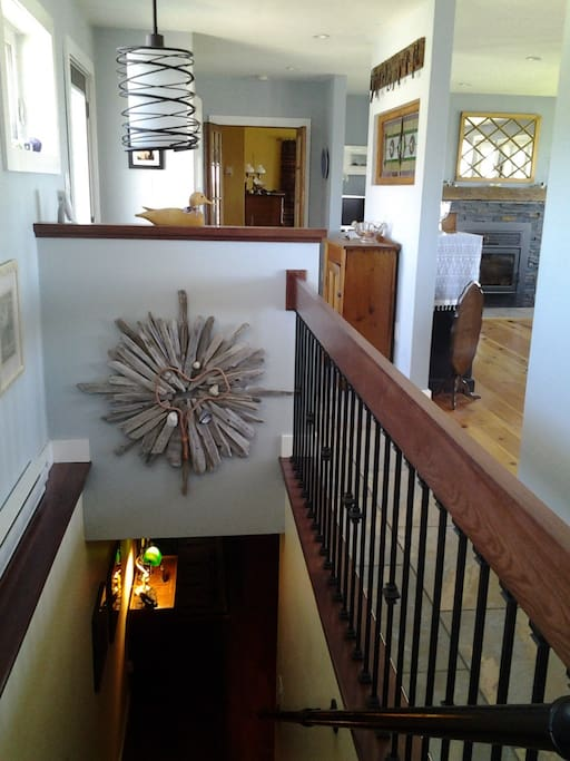 stair to lower level