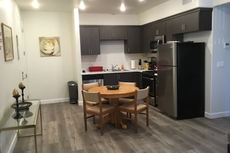 2bd/2 bath,brand new apartment ,free parking/wifi - Los Angeles
