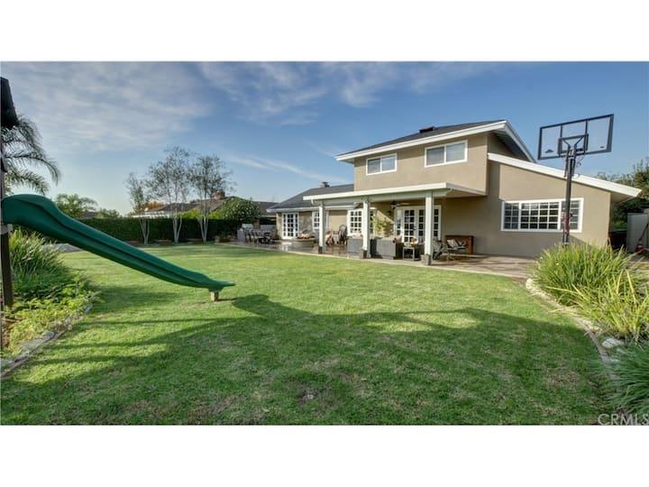 Big Spacious Home and Backyard near Disney/Beaches