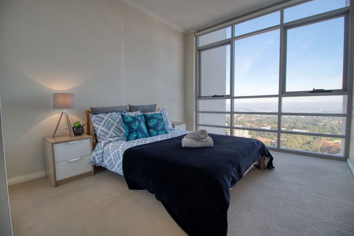 Second bedroom with a fantastic water view!