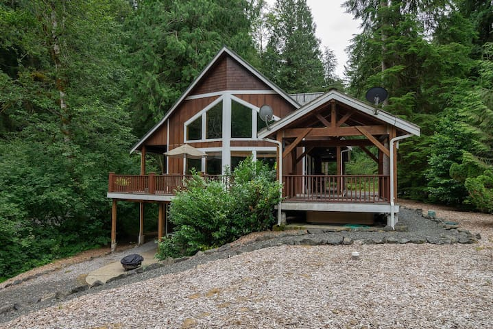 Luxury 3 floor chalet is perfect for families