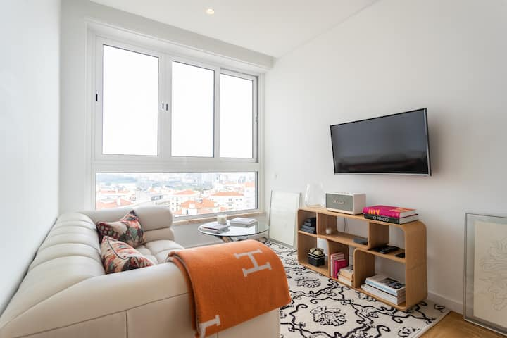Chic and Sophisticated apartm, unique City View!