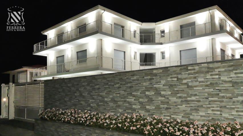 Eclisse - Ferrera Suite & Rooms