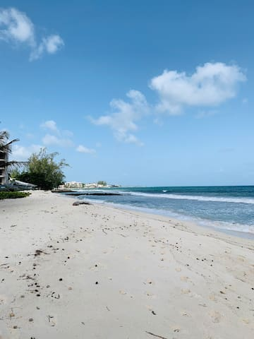 Seas the Day - Steps away from Accra Beach